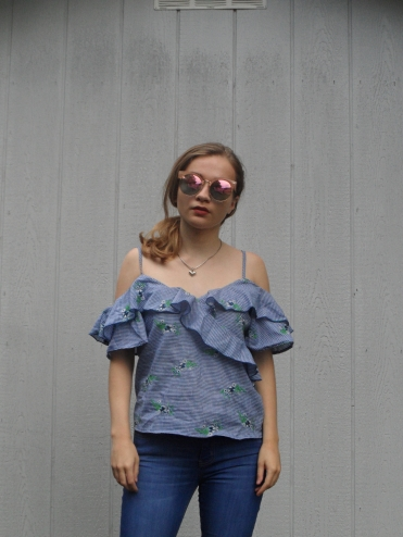 blue florals sunglasses ootd
