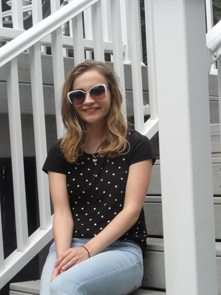polka dot top sunglasses ootd