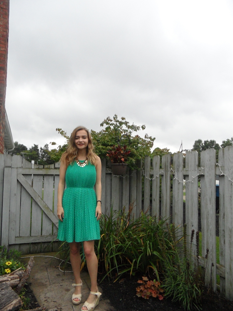 green dress ootd