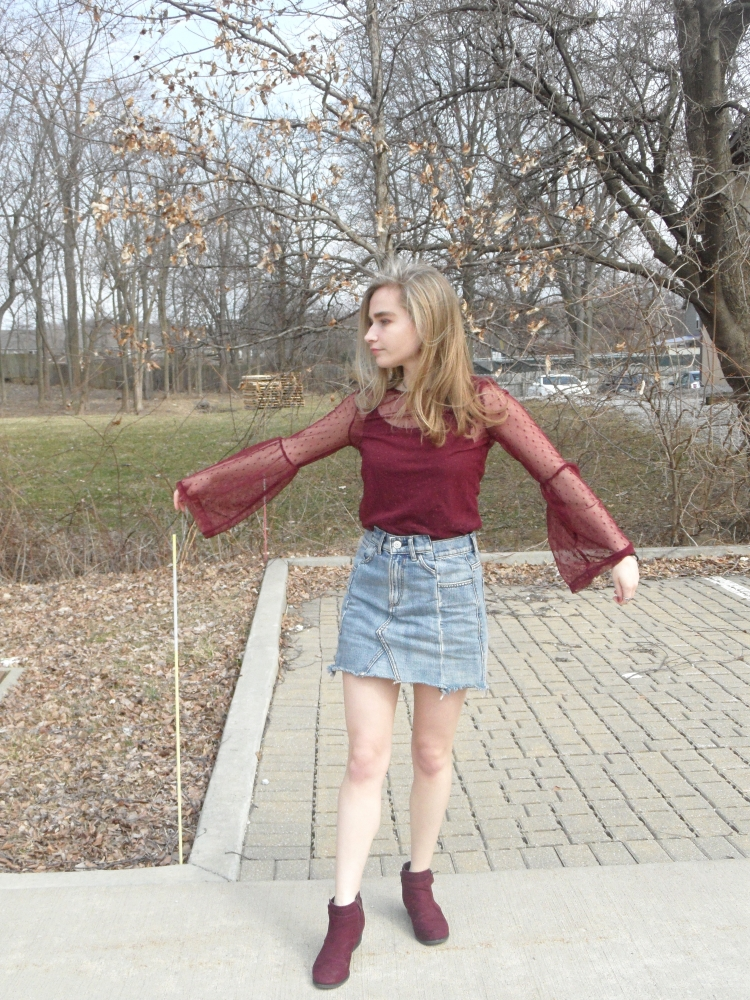 fashion blogger wears maroon bell sleeves